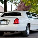 Luxus Stretchlimousine Lincoln Town Car, Getr�nkepaket und roter Teppich inklusive!
